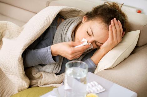 """Tușești, ai febră și abia respiri? Cele mai cunoscute """"leacuri doctoriceşti"""", pentru ameliorarea simptomelor gripale"""