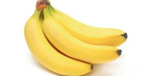 Foto. O femeie a vrut să slăbească şi a ţinut dieta asta. Cum arată după ce a mâncat timp de un an de zile doar banane