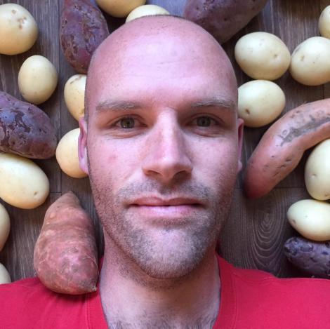 Un bărbat a mâncat un singur aliment un an de zile și a slăbit 50 de kilograme