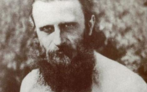 Arsenie Boca a ascuns mesaje cutremurătoare în picturile sale din biserica Drăgănescu! Ce anume îi înfioară pe credincioși?