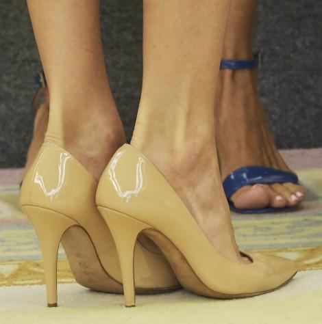 Cum să îți cureți pantofii de lac. Ai și tu în casă această soluție