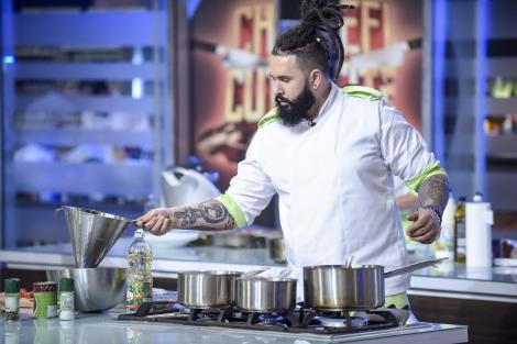 """Gusturile copilăriei aduc haosul în bucătăria """"Chefi la cuțite""""! Concurenții pornesc o luptă contracronometru, iar miza e uriașă!"""
