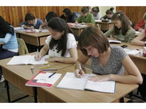 Ce spun milioanele de elevi din toată lumea?! Cursurile școlare ar trebui să înceapă după 8:30