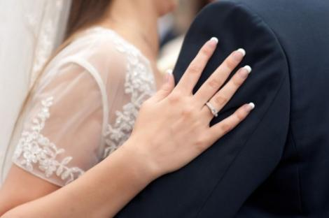 """Zodiile care vor spune """"DA!"""" în 2018. Află dacă te numeri printre cei care se căsătoresc anul viitor!"""