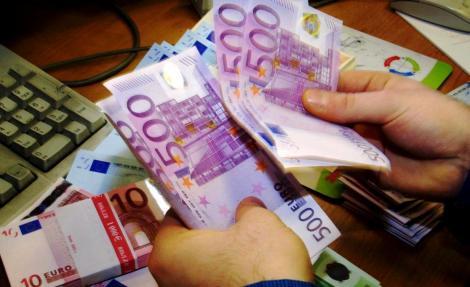 """Anunțul care a alertat întreaga Capitală: """"Oferim 30.000 de euro!!!"""". Zeci de mii de persoane din Berlin au trimis email-uri"""