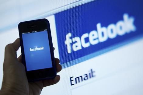Facebook tocmai a făcut o schimbare ce afectează oamenii din întreaga lume! Ce se întâmplă în newsfeed