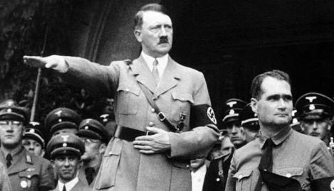 O femeie a donat o pictură realizată de Adolf Hitler, fiindcă nu mai voia s-o țină în locuința sa! Cum arată operele dictatorului nazist