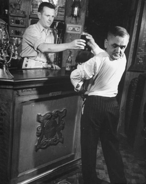 """Video! Martin, singurul om din istorie care-și putea vedea ceafa, rotindu-și capul la 180 de grade. """"Nu respira, dar de băut putea bea. Nu știai dacă vine ori pleacă!"""""""