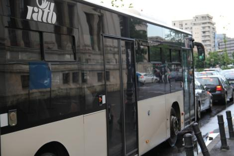 Restricţii de trafic şi modificări de trasee RATB, pentru parada de 1 Decembrie din zona Arcului de Triumf