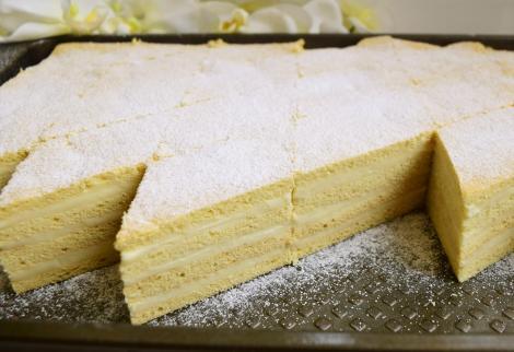 Prăjitura Albă ca Zăpada. Una dintre cele mai populare prăjituri, care nu lipsea, cândva, de pe mesele de sărbători!