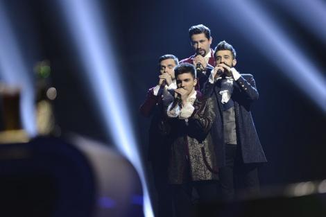 """Finala X Factor 2017. Mai frumos de atât nu se putea. Cei patru băieţi de la Ad Libitum au cântat """"Bohemian Rhapsody"""" şi au ridicat publicul în picioare: """"Pentru momentul acesta meritaţi să câştigaţi acest sezon"""""""