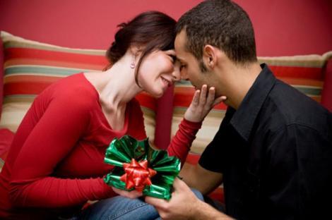 CRĂCIUN 2017. Zodiile care îşi vor găsi iubirea de Crăciun. Moșul le va aduce în dar ceea ce le lipsea cel mai mult: dragostea
