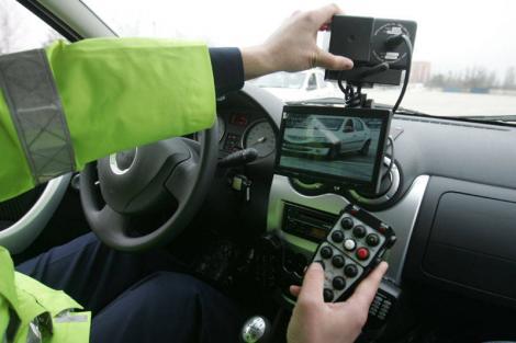 Atenţie mare, şoferi! S-a dat o nouă lege. Poliţiştii de la Rutieră vor da amenzi pe baza informaţiilor comunicate de radar