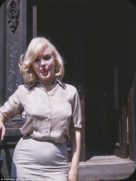 Secretul ascuns 60 de ani! AVEM FOTOGRAFIILE! În iulie 1960 Marilyn Monroe era gravidă cu marele Yves Montand, ambii fiind căsătoriți cu altcineva. Ce s-a petrecut cu copilul?