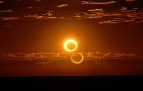 """Ziua în care omenirea S-A SCHIMBAT! Un semn a apărut pe cer, iar credincioșii au exclamat: """"Sfârșitul se apropie!"""""""