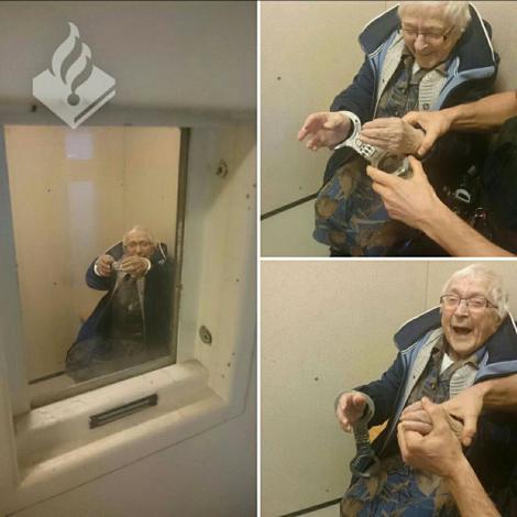 """La 99 de ani, o bunicuță și-a îndeplinit visul!  A fost încătuşată de poliție: """"Nu eşti cineva, până când nu ajungi la închisoare"""""""