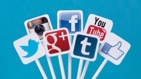 Probleme mari pentru o cunoscută reţea de socializare! S-au dat oameni afară şi acţiunile au scăzut cu 10%