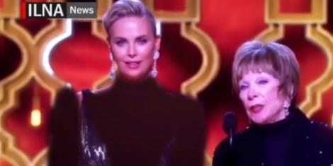 """Decolteul de la Oscar, acoperit în Photoshop și difuzat la tv! Charlize Theron, """"reîmbrăcată"""" într-o manieră grosolană de cenzura iraniană (VIDEO)"""