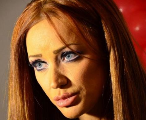 Bianca Drăgușanu, pe masa de operație! Vedeta a suferit O INTERVENȚIE CHIRURGICALĂ în urmă cu puțin timp!