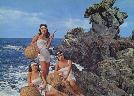 Sirenele chiar există! Ultimele femei ale mării se ascund azi într-un loc uitat de lume și păstrează secretul de sute de ani
