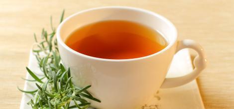 Ce astenie de primăvară, când există această plantă-minune? O ceașcă de ceai din rozmarin și oboseala va fi o amintire!