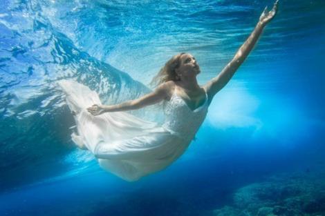Oamenii pot respira sub apă! Plăcerea înotului tocmai a devenit mai mare!