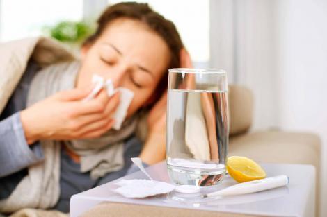 Tu faci diferența dintre răceală și gripă?O singură greșeală te poate trimite urgent la medic!