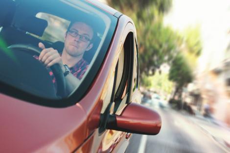 Record de viteză! Un șofer a fost prins de Poliția Română gonind cu 226 de kilometri  la oră