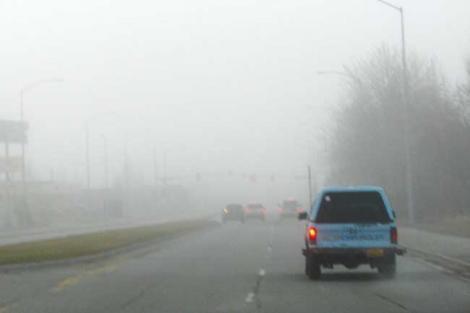 Atenție, șoferi! Unsprezece judeţe sub avertizare cod galben de ceaţă. Cum va fi vremea în acest weekend!