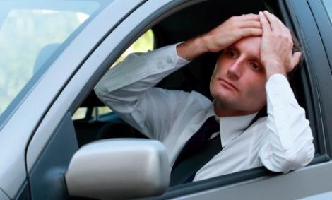 Ești nervos din cauza aglomerației și ai întârziat la serviciu? Iată cum poți avea o atitudine pozitivă în trafic