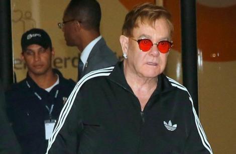 """Elton John a ajuns la terapie intensivă! Artistul a contractat o """"infecție bacteriană"""" ce poate fi mortală"""