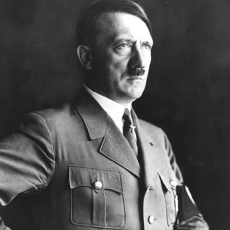 Fața nevăzută a lui Hitler! Temutul dictator a devenit un mielușel atunci când a cunoscut-o pe Helga, o fetiță de patru ani!