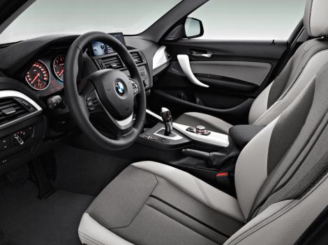Care este cea mai bună tapițerie pentru interiorul mașinii tale?
