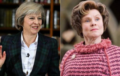 """Theresa May, prim-ministrul Marii Britanii, asemănată cu Umbridge, vrăjitoarea sadică din Harry Potter: """"Nu, nu mă puteţi întreba asta!"""""""