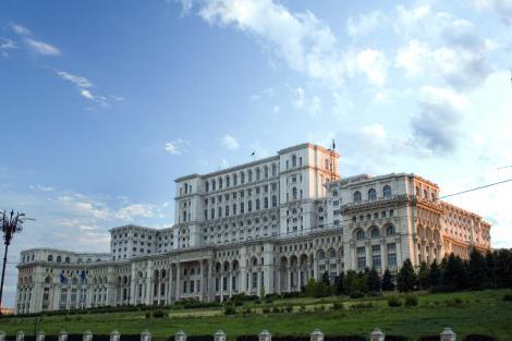 Mămici, tătici, nu vă faceți planuri pentru weekend-ul viitor! Pe 27 mai, Palatul Parlamentului își deschide porțile pentru copii