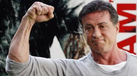 Sylvester Stallone are patru femei superbe în casă! La soare te poți uita, dar la dânsele ba!