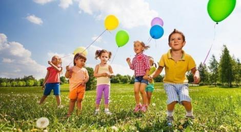 Prima zi liberă din minivacanță vine cu surprize inedite! De 1 iunie, RATB pune în circulație Tramvaiul Copiilor