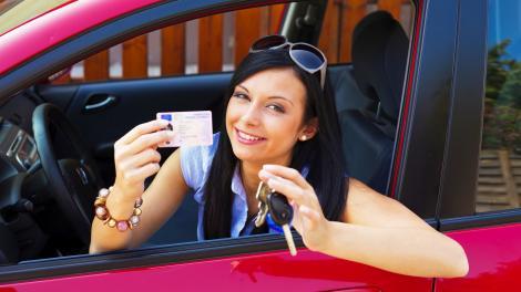 Poate nu știai! Vezi ce greșeli te pot costa scump la examenul auto!