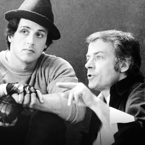 """Regizorul John Avildsen, câştigătorul Oscarului pentru filmul """"Rocky"""", a murit. Datorită succesului, Sylvester Stallone a reinterpretat rolul boxerului de șase ori pe marele ecran: """"Sunt sigur că în curând vei regiza în Rai"""""""
