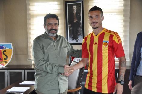 FOTO: Fernando Boldrin, prezentat oficial la Kayserispor! A semnat pe trei sezoane cu echipa lui Şumudică