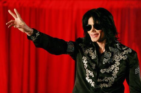 """Au trecut opt ani de când Michael Jackson și-a mutat scena în Rai! De undeva de Sus, Regele încă mai cântă despre """"Heal the World"""""""