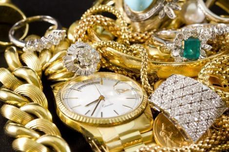 Ce înseamnă când visezi bijuterii! Trebuie neapărat să afli semnificația dacă vrei să îți cunoști viitorul