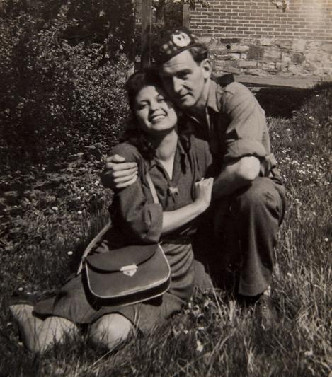 John a eliberat-o pe Edith de la Auschwitz și a invitat-o la dans! 71 de ani mai târziu, ea îl așteaptă în Rai, să continue valsul!