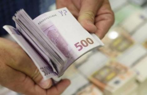 Bani europeni pentru tinerii fără bacalaureat. Sumele pot ajunge și la 40.000 de euro!