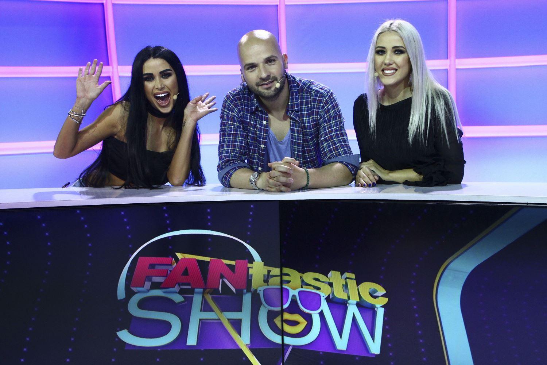 """Daniela Crudu și sora ei, Ana-Maria, se duelează cu Raluca și Denisa de la Bambi, la """"FANtastic Show"""""""