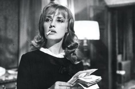 Când a aflat că fiica sa vrea să devină actriţă, a pălmuit-o. Jeanne Moreau, o legendă a cinematografiei franceze, cu o poveste de viață uimitoare, a murit la 89 de ani