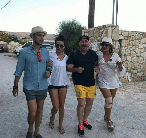 """Șerban Copoț, Romică Țociu, Anca Dinicu și Angie Cobuț, hotărâți să bată recorduri.  Au râs încontinuu timp de 17 ore, la """"Aventură cu 4 stele"""""""