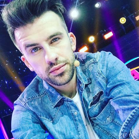 """La mulți ani, Florin Ristei! De la puștiul care cânta """"Ea este Dana, colega mea"""" și până la câștigător X Factor sau prezentator, artistul ne-a cucerit definitiv cu talentul său!"""
