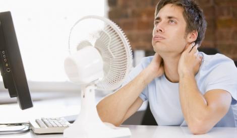 Iată ce trebuie să faci pentru a trece mai uşor de CANICULĂ! Sfaturile medicilor te pot ajuta să te protejezi de temperaturile ridicate
