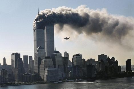 """Nu avem voie să-i uităm! Românii care au pierit la World Trade Center, în urma atentatelor care au schimbat lumea. """"Cel mai frumos loc de pe Pământ s-a transformat într-un coşmar"""""""